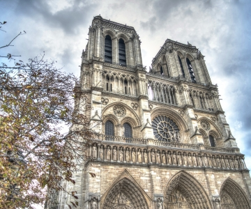 Tallinna linnapea ja Prantsusmaa suursaadik kutsuvad annetama katedraali taastamiseks