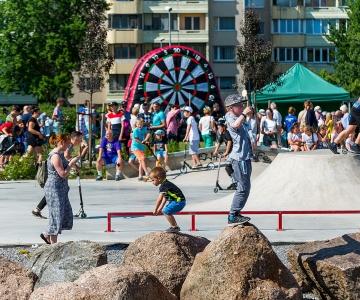 GALERII JA VIDEO! Lasnamäe Filmisuve üritused jätkuvad: Lasnamäel toimus Kivila Pargi Festival