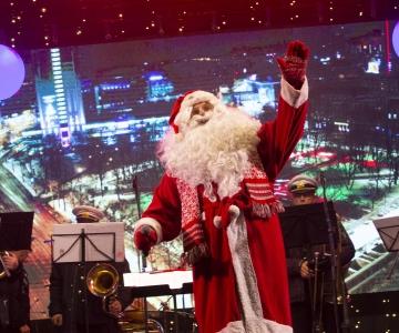 FOTOD JA VIDEO! TALLINN JÕULUDE OOTEL: Jõuluturg avati koos jõuluvanaga
