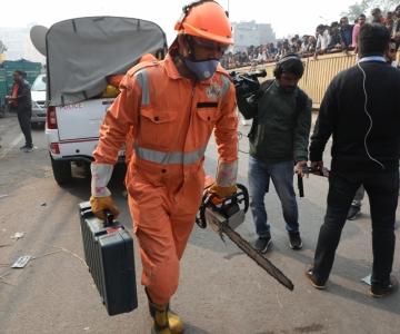New Delhis hukkus tehasepõlengus vähemalt 43 inimest