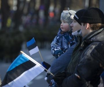 VIDEO! Tallinn tähistas iseseisvuspäeva iseseisvusmanifesti ettekandmise ja valgusinstallatsiooniga