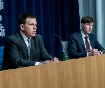 VAATA OTSE KELL 12: Valitsus arutab ravimite kättesaadavuse parandamist