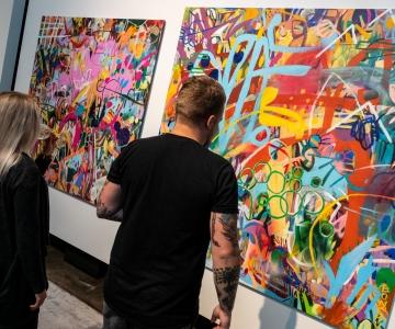 FOTOD JA VIDEO: Tallinna Biennaal avati publikule uue kunstigaleriiga