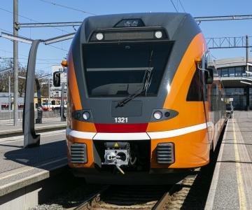 Elron: rongiga Eestit avastavate reisijate arv on suvekuudel kasvanud