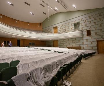 VAATA PILTE JA VIDEOT IMELISEST MUUTUMISEST! Salme Kultuurikeskus pühib ehitustolmu jalgadelt