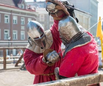 Nädalavahetus toob linna nii keskaegsed rüütlid kui ka moodsad metsamehed