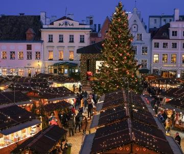 VIDEO: Raekoja platsi tuleb jõuluturg ja vanalinn muutub jõulumuinasjutuks