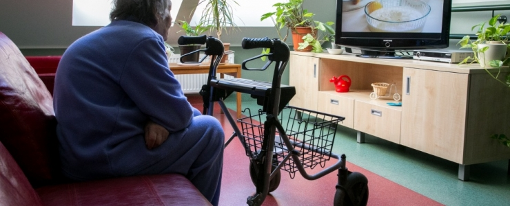 ÜHE KÄEGA TOIDAVAD, TEISEGA PIKETIVAD: suhtekorraldus- ja reklaamispetsialist hindavad IRLi reklaami Vene suures telekanalis RTR eetiliselt küsitavaks