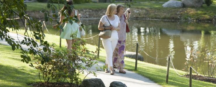 PARGID KAUNIMAKS: Kadrioru park rajab Vilde sünnipäevaks lillepeenrast visiitkaardi