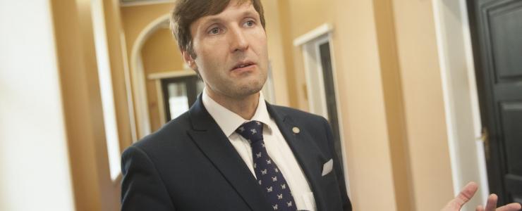 Helme: meie eesmärk ei ole Eesti Teede eest lihtsalt raha kätte saada