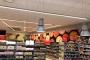 Hiiul avatud Rimi supermarketis on alkohol silma alt ära