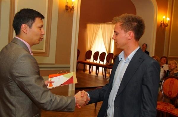 Tallinn tunnustab tegusaid õpilasi