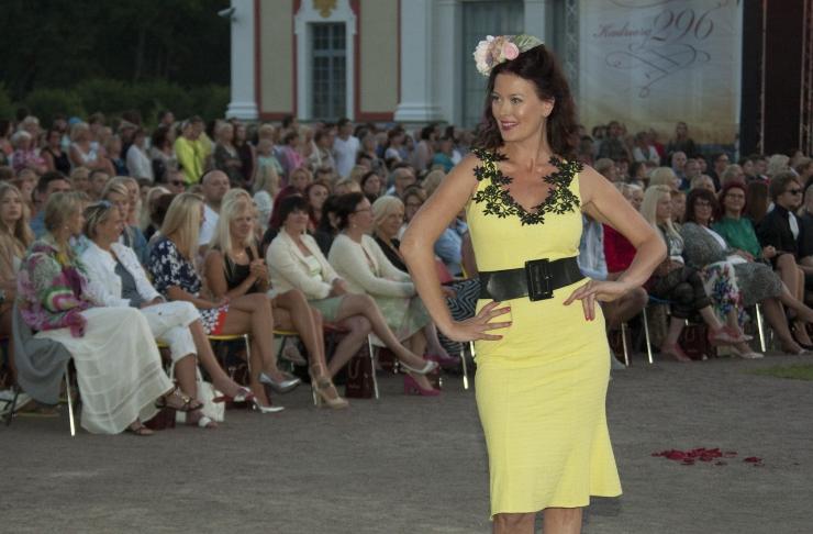 FOTOD! Kuulsad kaunitarid astusid Tallinn Dollsi etendusel modellidena üles