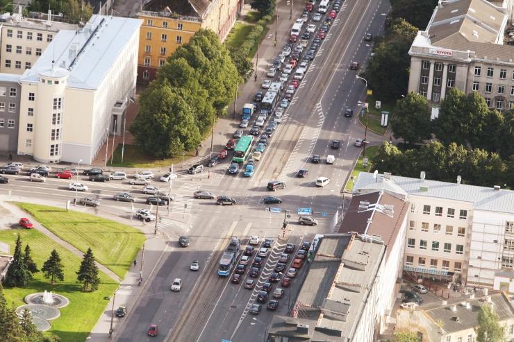Pärnu mnt - Liivalaia ristmikul suletakse liiklus juba täna öösel