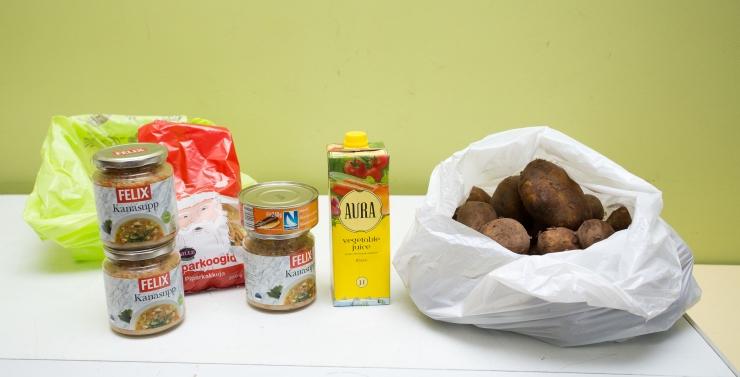 Lasnamäe jagab abivajavatele peredele jõuluks 1200 toidupakki