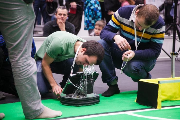 Robotex õpetab: kuidas päästavad robotid uppuvalt laevalt meeskonna?