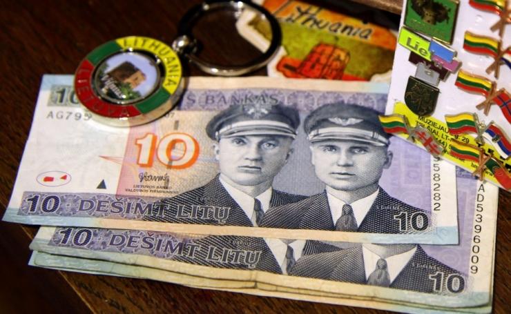EUROHIRM: uus raha on leedulased ära hirmutanud, inimesed karjuvad - raha ja kaupa napib