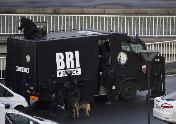 """Prantsuse """"must reede"""": eelmised terroristid hävitati, kuid juba võeti uusi pantvange"""