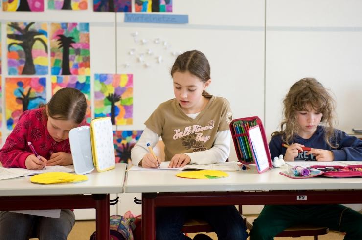 VAESUSE RÄNK KOOREM: Kas õpetajad kohtlevad vaesest perest lapsi halvasti?
