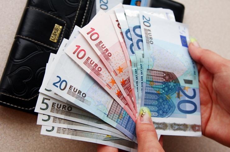 Kadri Simson: valitsus kinkis 1%-lise tulumaksu alandamisega jõukatele rahahunnikud