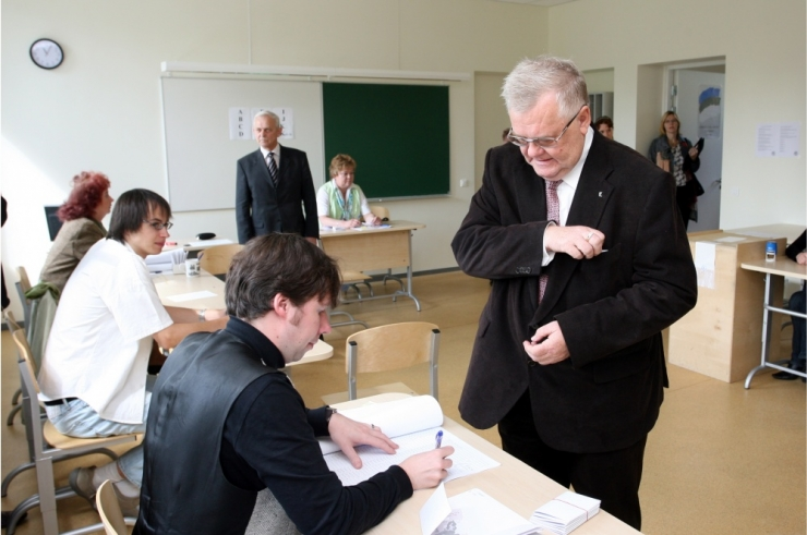 LINNAPEA SAVISAAR NÄITAB EESKUJU: tänasest saab hääletada!