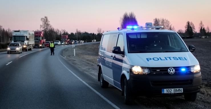 Juhtimisõiguseta autojuhid põhjustasid kaks liiklusõnnetust