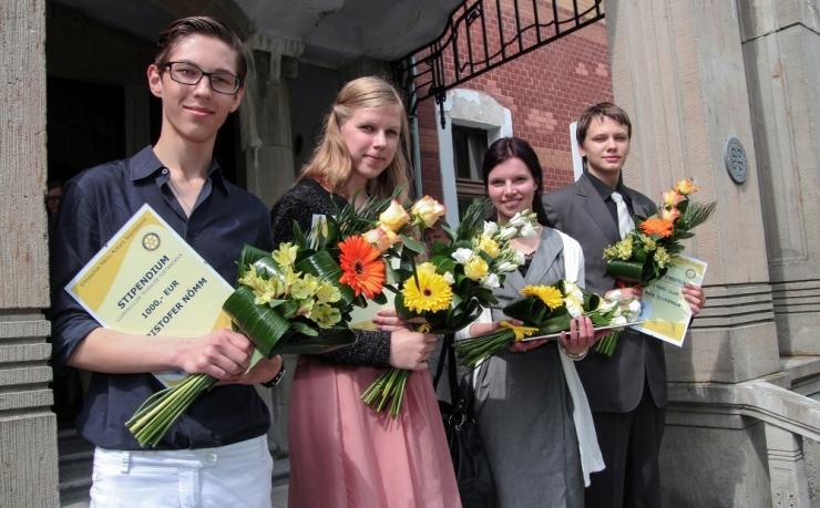 Eesti Rotary haridusfond aitab viia koolijuhtimise maailma tipptasemele