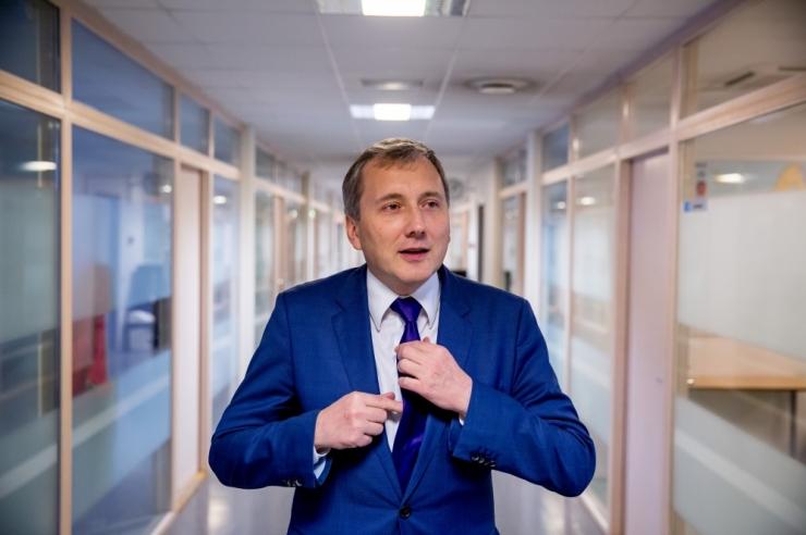 USKUMATU! Tööta jäänud Sandor Liive saab Eesti Energiast hiigelpalka 12 000 eurot kuus