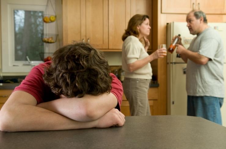 LAURI BEEKMANN: Riik peaks naiste ja laste kannatuste korral pereisa joomisse sekkuma