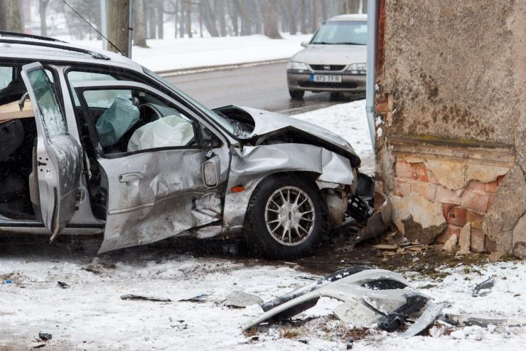 Eile hukkus liikluses kaks ja sai vigastada neli inimest