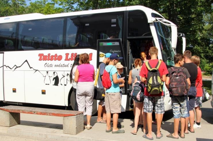 Bussifirmad: kütuseaktsiis tõstab piletihinda ja suleb bussiliine