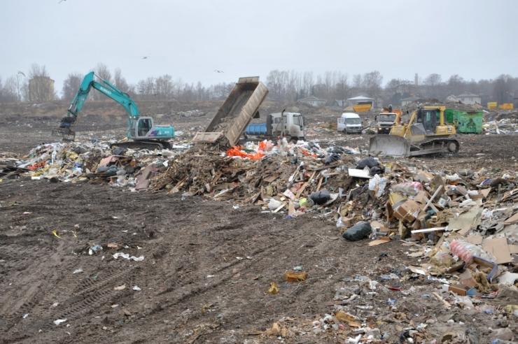 Heakorrakuul on linlastele abiks ohtlike jäätmete kogumisringid