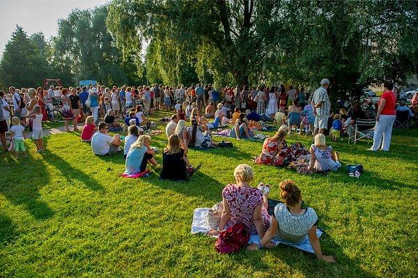 Kristiine kutsub kevadlaadale Löwenruh parki