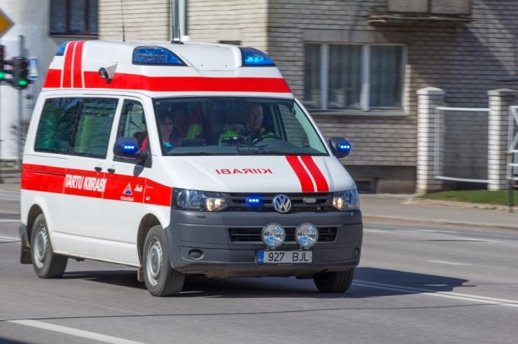 Laupäeval sai seitsmes liiklusõnnetuses vigastada 27 inimest