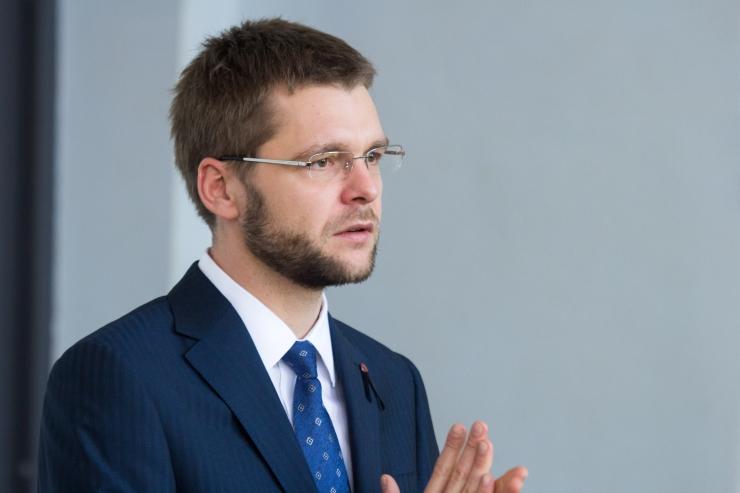 Ossinovski tahab sotside peasekretäriks Inara Luigast
