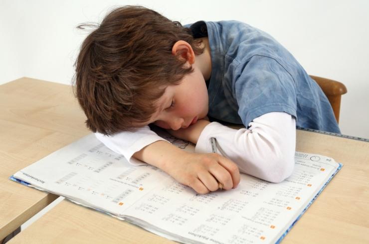 VAESED LAPSED: Enamik Eesti õpilasi on kogu aeg väsinud