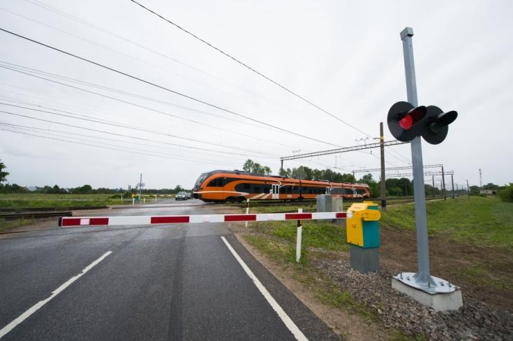 Tallinna linnaosavalitsused võtavad raudteeülesõidukohtade ohutuse teravdatud tähelepanu alla