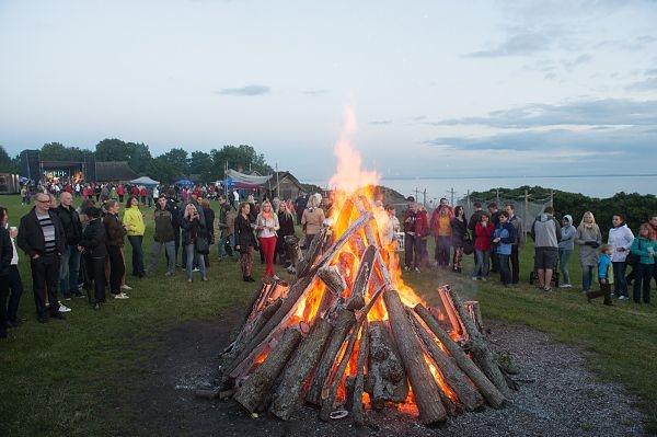 Tallinnas toimub mitu üldrahvalikku jaanipidu