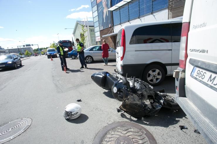 Viies raskes liiklusõnnetuses sai kuus inimest vigastada