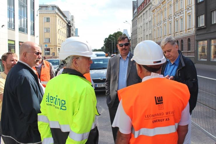 Linnaisad tutvusid olukorraga Narva maanteel