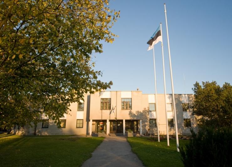 Rae vald vallandas Vaida põhikooli staažika direktori