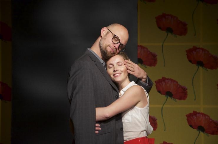"""Värskes teatrimajas avati Tätte näidendiga """"Palju õnne argipäevaks!"""""""