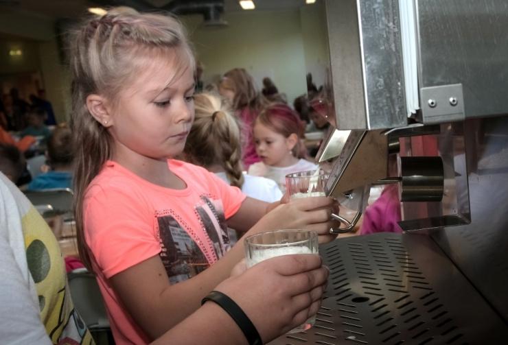 Raskustes peredele saab koolitarbeid annetada