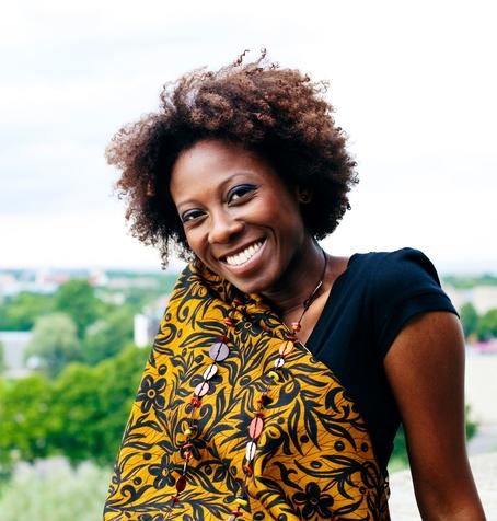 Tasuta! Tänase õhtu kütab kuumaks Brasiilia sambalauljatar Denise Fontoura