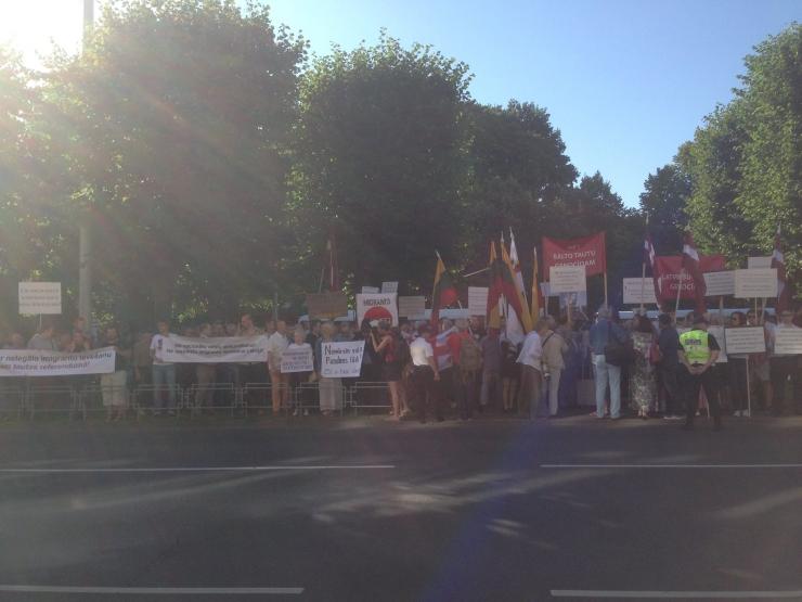 Läti koalitsioonipartei miitingul: juba Nõukogude sisserändajad ei suutnud lõimuda