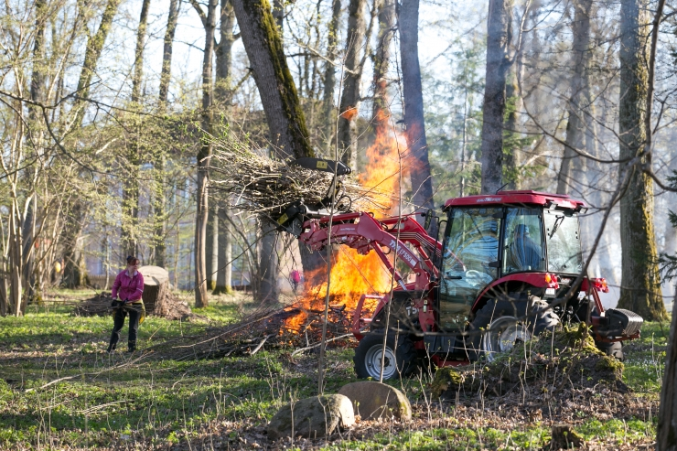 Järelvalveta lõkked põhjustasid mitmeid tulekahjusid
