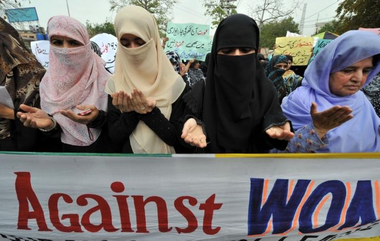 Sund oma nägu varjata ahistab naiste õigusi