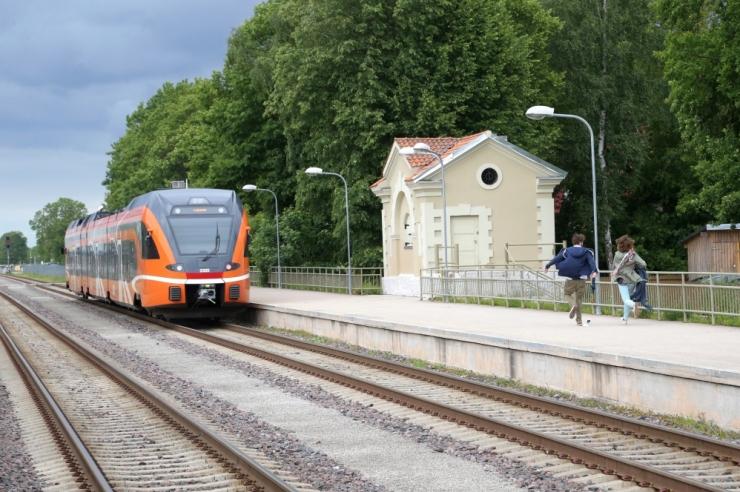 TASUTA ÜHISTRANSPORT LEVIB: Saue valla elanikud saavad sügisest valla piires rongiga tasuta sõita