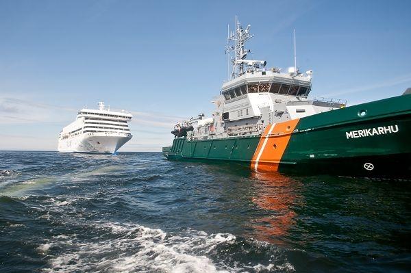Päästjad harjutasid laevalt merre kukkunud inimese päästmist