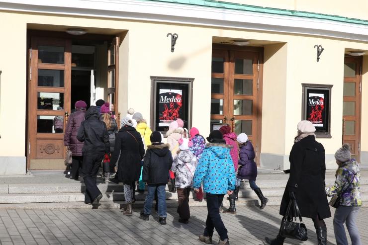 Estonia teatrisaali lisandus uuendustöödega 100 istekohta
